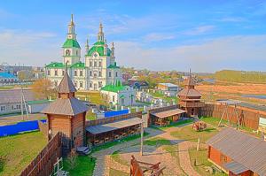 Экскурсионный тур в ЯЛУТОРОВСК   памятник декабристам.